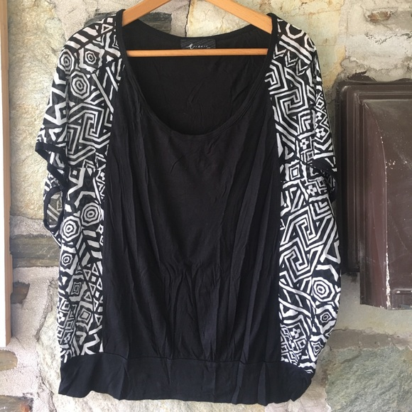 Black & White Batwing Top W/ Patterned Sides